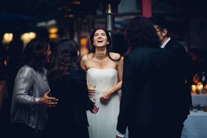 Braut und Partygäste