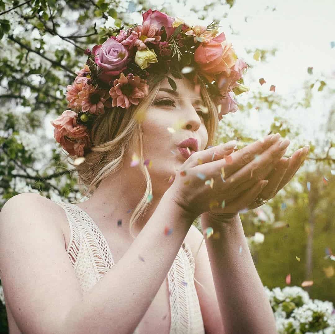 Haarkranz aus Blumen für die Braut