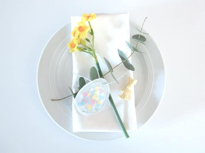 Osterei Tischdeko mit Konfetti
