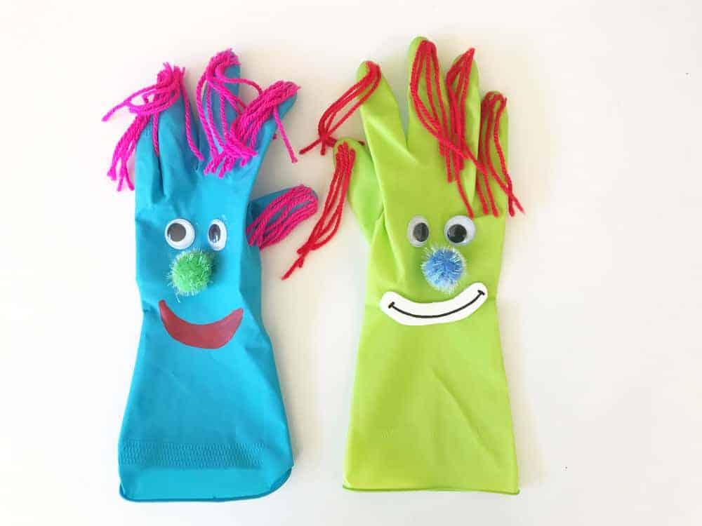 Clowns Basteln aus Handschuhen