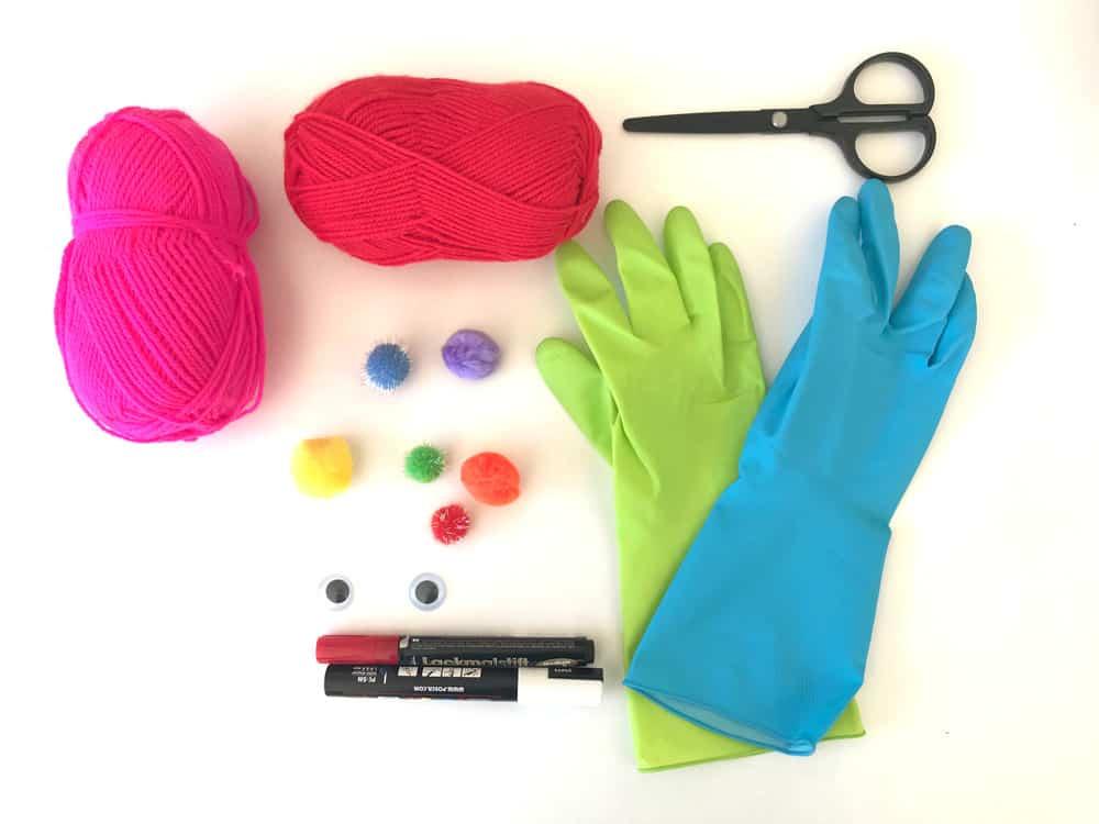 Materialien für die Clownspuppe