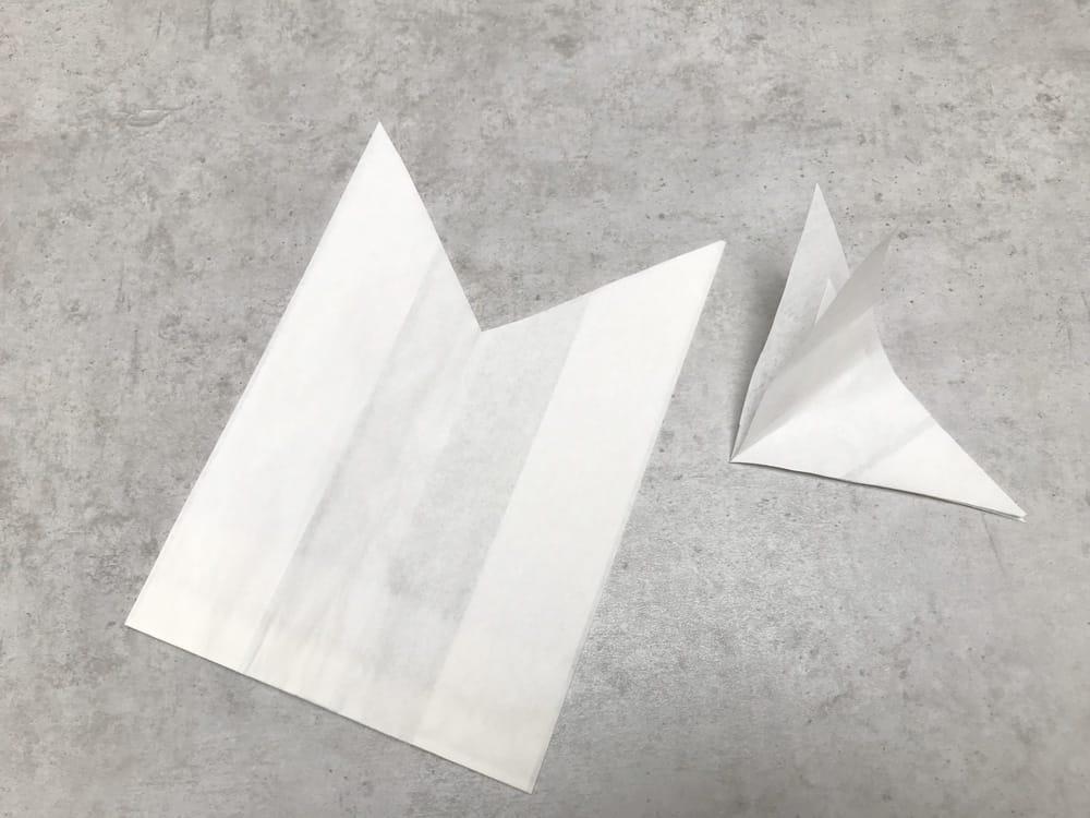Ostertüten selber basteln aus Butterbrotpapier