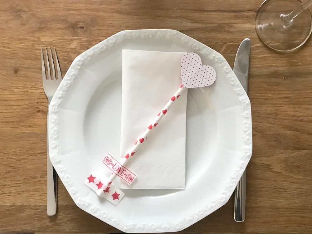 DIY Valentinstag Tischdeko