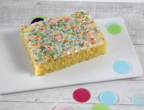 Saftiger Zitronen Blechkuchen für Kindergeburtstag