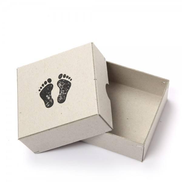 Botschaftsbox Füße