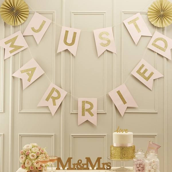 Pastel Perfection - Girlande Just Married