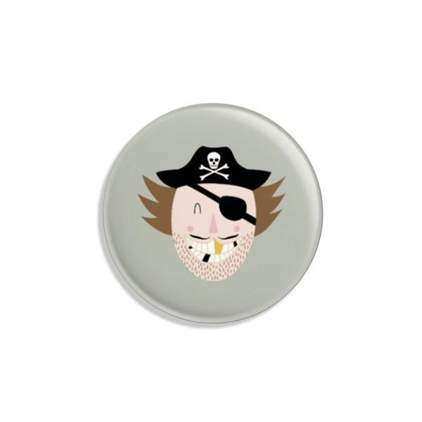 Ava & Yves Button Pirat