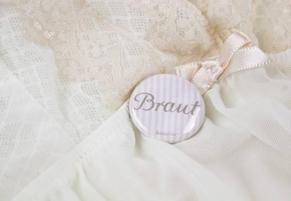 Krima & Isa - Button Braut